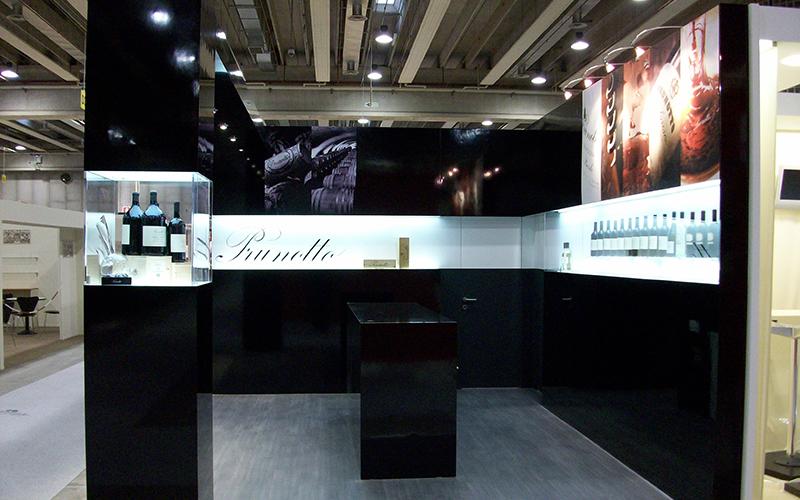 Stand espositivo al vinitaly per Prunotto