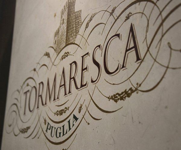 Close up logo Tormaresca nello stand al Vinitaly di Verona